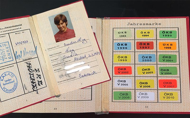Karate Ausweis von Sandra mit allen Jahresmarken.